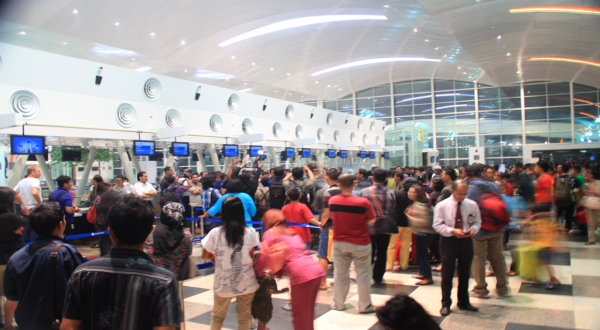 layanan-tiket-di-bandara-ditiadakan-awal-maret